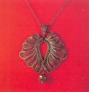 Filigree metal pendant Autumn