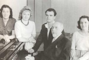 Z. A. Ignatyeva, S.Ye. Feinberg, L.V. Roshchina, V. Kasatkin, M. Vinogradova (1962).