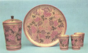 Beer set. 1970 Painted by N. Ivanova and N. Salnikova Ornamentation on a gold ground Arts and Crafts Museum, Semionov
