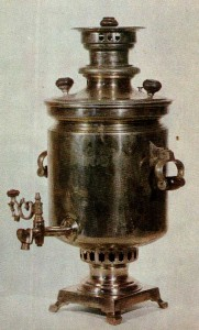 SAMOVAR. Early 20th cent. V. P. Pushkov's factory. Moscow Nickel-plated. Ht. 57 cm. State Museum of the Ethnography of the Peoples of the RUSSIA