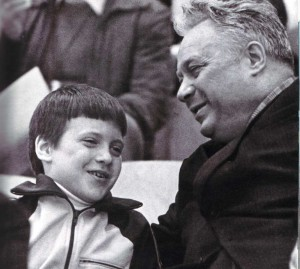Jr. Nikolaj Oserow mit seinem Sohn Nikolaj