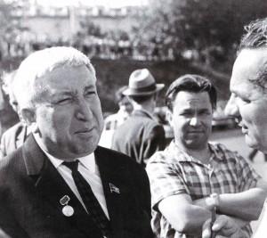 Rassul Gamsatow gibt ein Interview, 1968