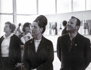 Jurij Gagarin mit Gattin Walentina auf der Ausstellung in Sokolniki