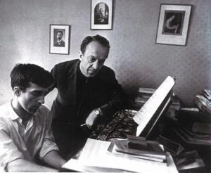 Ein Dirigent und ein Komponist: David Aschkenasi und sein Sohn Wladimir in ihrer Moskauer Wohnung, 60-er Jahre