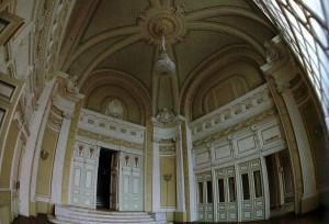 Der ovale Saal