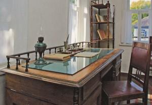 """Das Arbeitszimmer von M.A. Scholochow. in dem Kapitel des Romans """"Der stille Don""""  - haften wurden."""