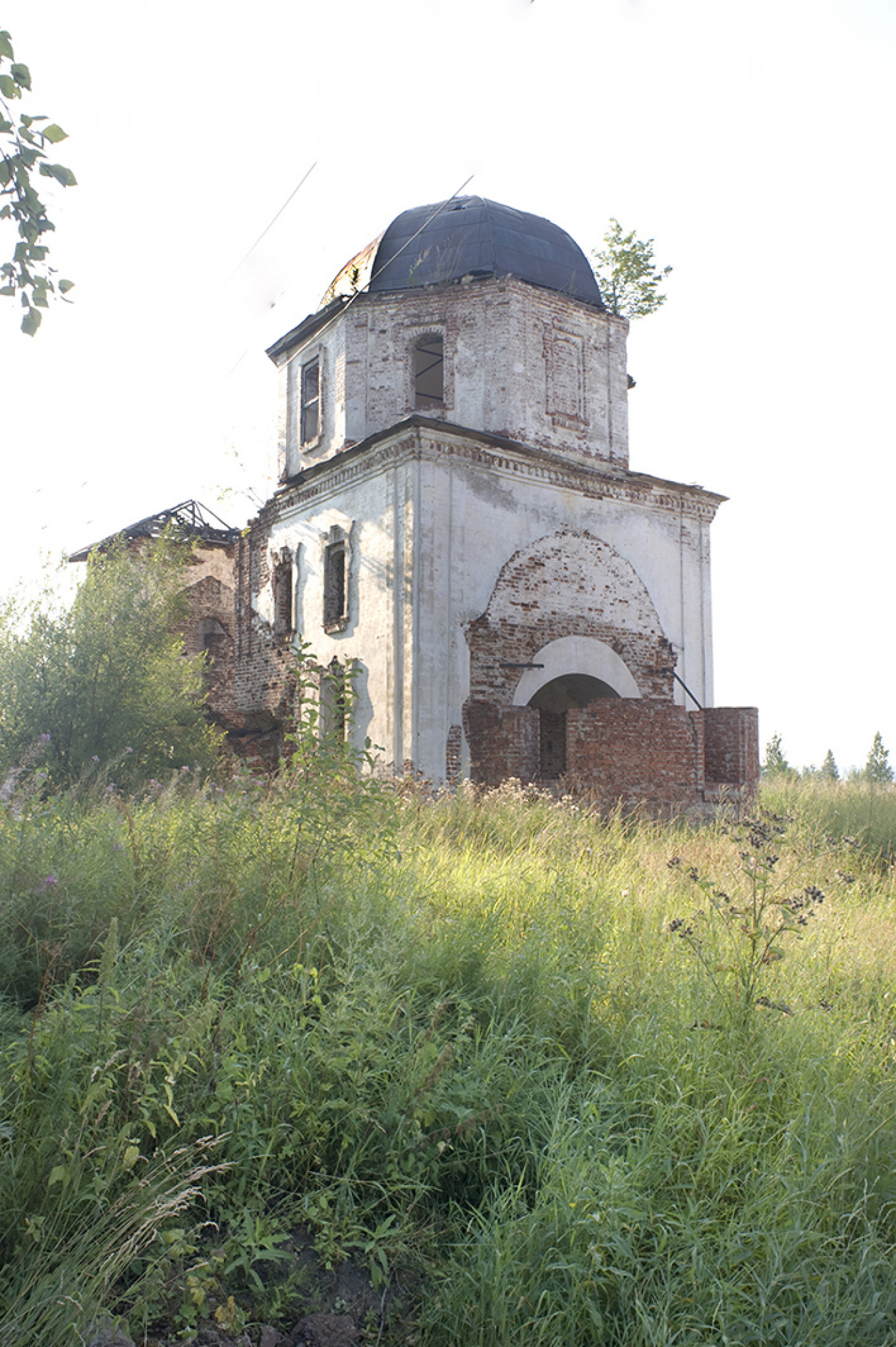 Church of St. Paraskeva, July 2010. WC Brumfield/Duke University Press