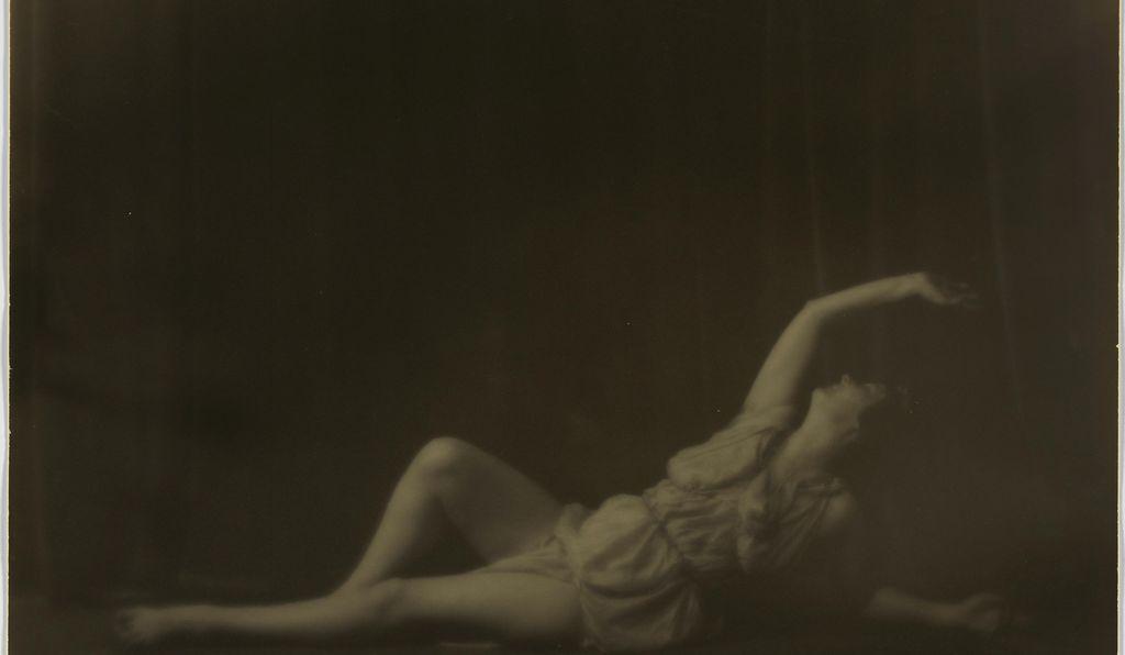 <em>Isadora Duncan</em> by Arnold Genthe, c. 1916