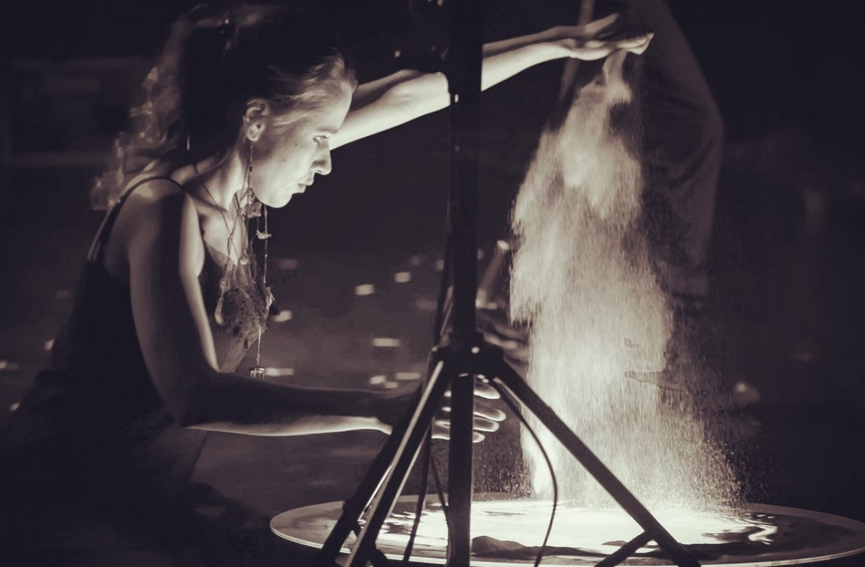 The sand master at work. Courtesy of Yelena Kadyrova