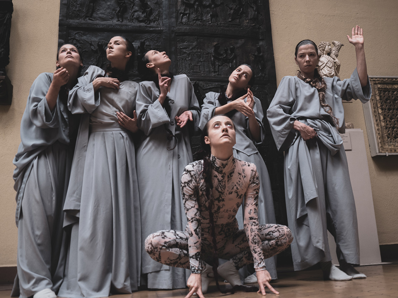 Dancers in the Middle Ages hall, choreographed by Liliya Burdinskaya. Anna Kucheva